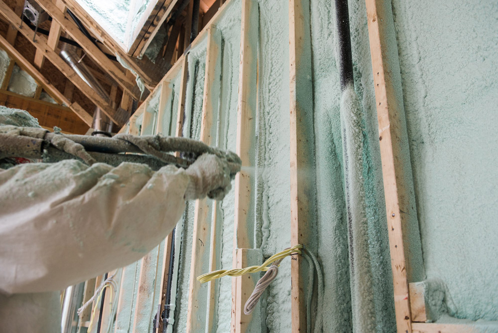 Spray foam insulation products ontario for Foundation blanket wrap insulation